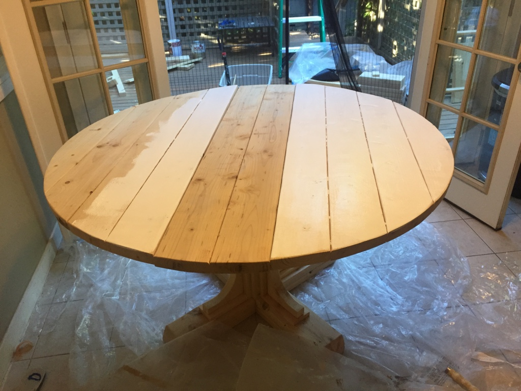 Extendable round Dining Table under 150$